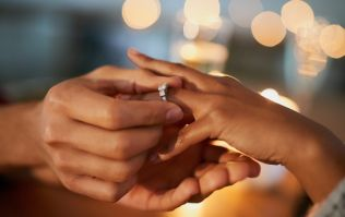 This app will let you try on engagement rings on your phone