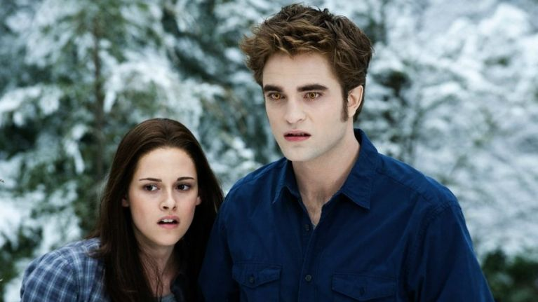 the entire twilight saga is coming to netflix this month and we re