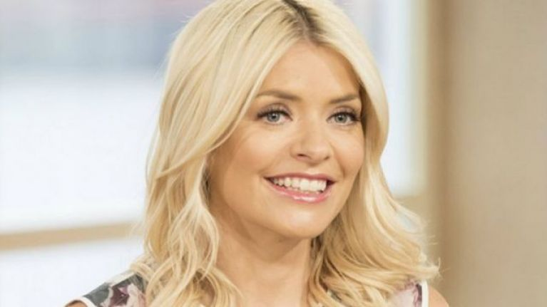 People really don't like the dress that Holly Willoughby wore this morning
