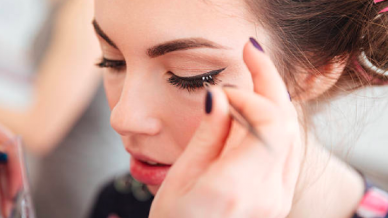 Use this simple tip to apply false lashes without ruining your