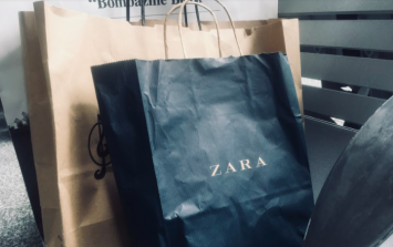 We can't actually believe our luck at finding this FAB €20 Zara dress