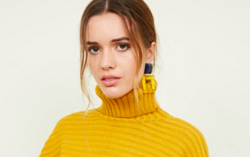 This €23 cropped jumper from New Look is the cosy knit we're stocking up on!