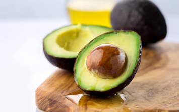 A well-known foodie said avocados AREN'T vegan, and sorry... what?