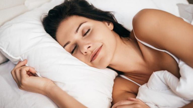 This VERY simple trick can help you to fall asleep within minutes