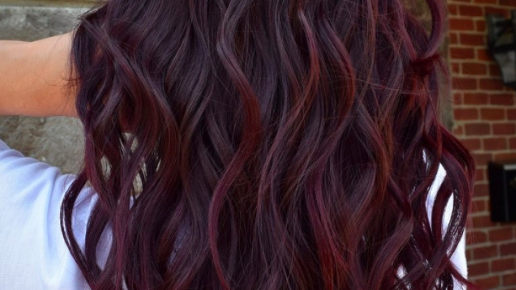 Mulled wine hair: The winter trend that's just as tasty as the drink