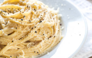 This super simple pasta recipe is your saviour if you're stuck for time
