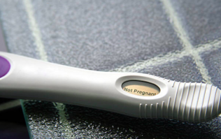 Woman's photo of her negative pregnancy test is striking a chord online