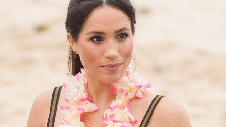 Apparently THIS is the reason why Meghan Markle is always cradling her bump