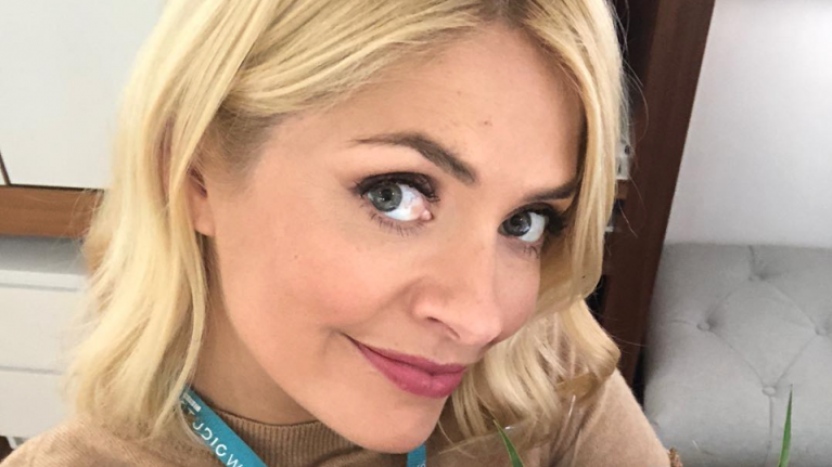 We are loving the from Phase Eight dress that Holly Willoughby just wore, but it's €169
