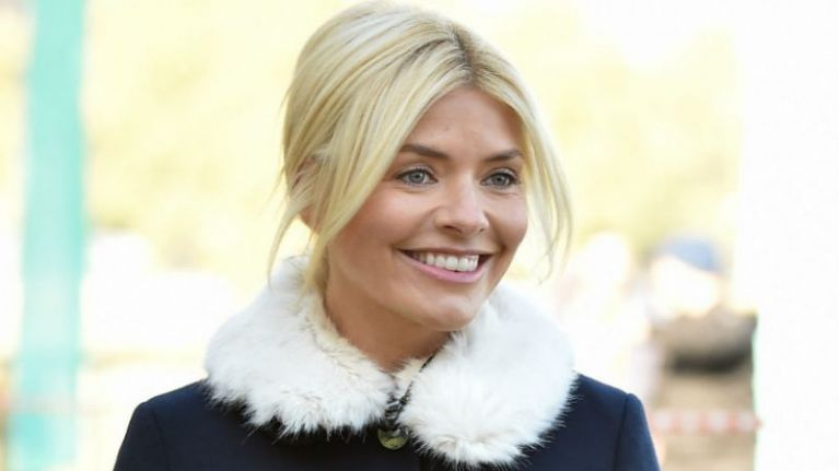 Holly Willoughby wore a divine €49 midi skirt from Zara that would be perfect for Christmas Day