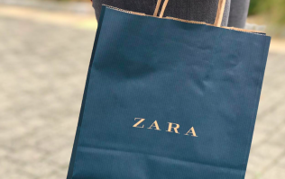We cannot believe this divine Zara dress is only €26 - that's us sorted for the Christmas party