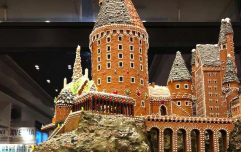 You NEED to see this Hogwarts-inspired gingerbread house right now