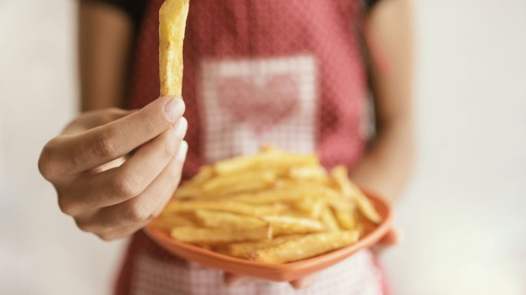 This nutritionist says you shouldn't eat more than six chips at once and thank u, next