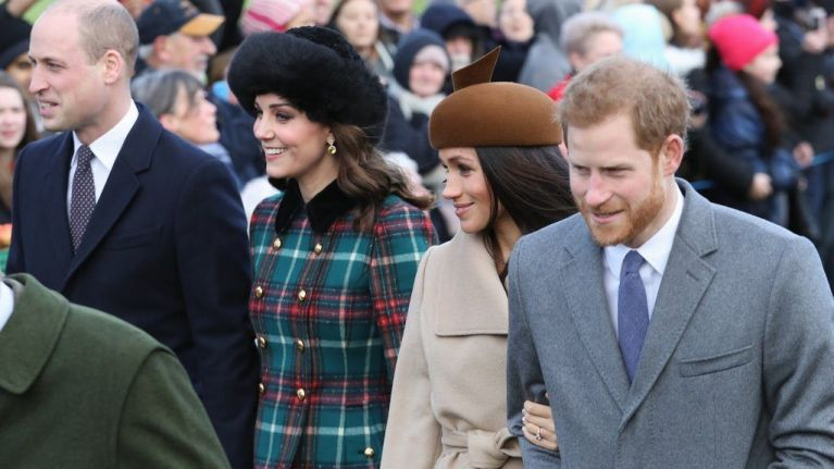 Royal Family Christmas.This Is How The Royal Family Exchange Gifts On Christmas Day