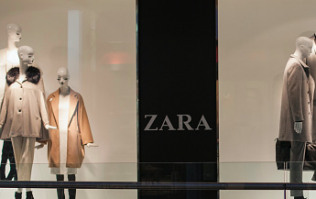 Need a dress for Christmas Day? This €40 Zara gúna is festive GOALS