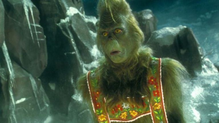 This woman gifted The Grinch an onion and his reaction is absolutely priceless