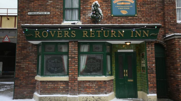 Coronation Street spark rumours of Christmas disaster as they film holiday scenes