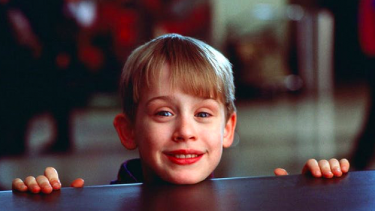 Macaulay Culkin just recreated scenes from Home Alone and they're still ICONIC