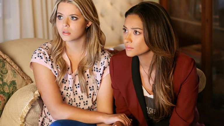 Alison and Emily from Pretty Little Liars are getting divorced, and we're shook