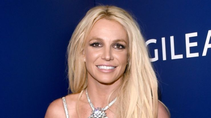 Britney Spears accidentally burned down her home gym, prefers to workout outside anyway