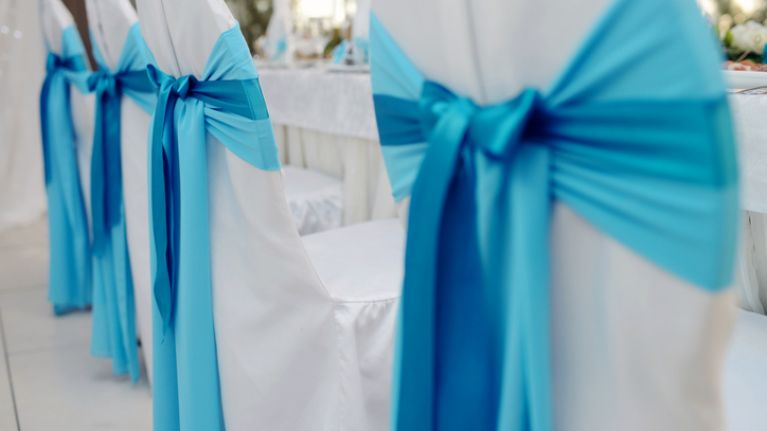 Bride asks wedding GUESTS to create the dream wedding venue for her big day