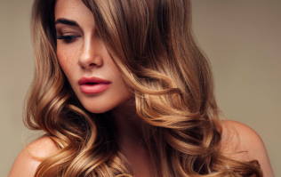 Celebrity hairstylist shares his number one tip for treating frizzy hair