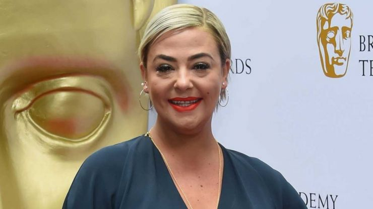 Lisa Armstrong has revealed a stunning new look, and she looks bloody fabulous