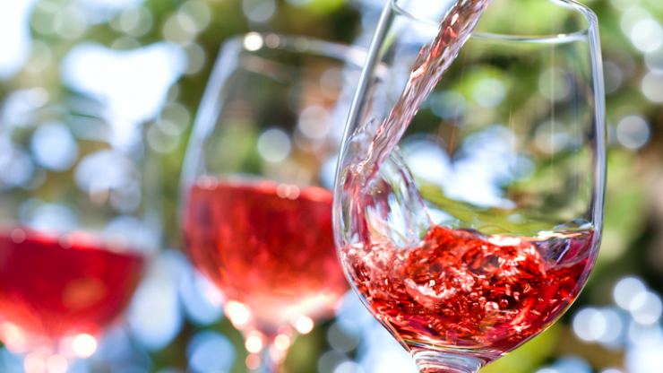 Company wants to pay you €9,000 to drink rosé in France