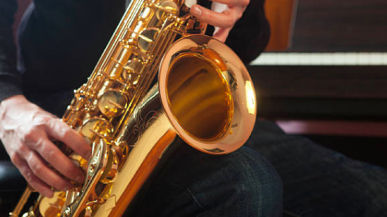 Gardaí find driver on the M50 sitting in parked van while playing the saxophone