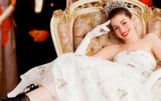 Anne Hathaway gives us an UPDATE on The Princess Diaries 3 and we need it to happen