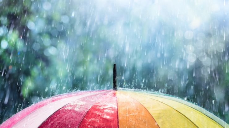 Met Eireann says that the weekend ahead will be 'unsettled with heavy rain'