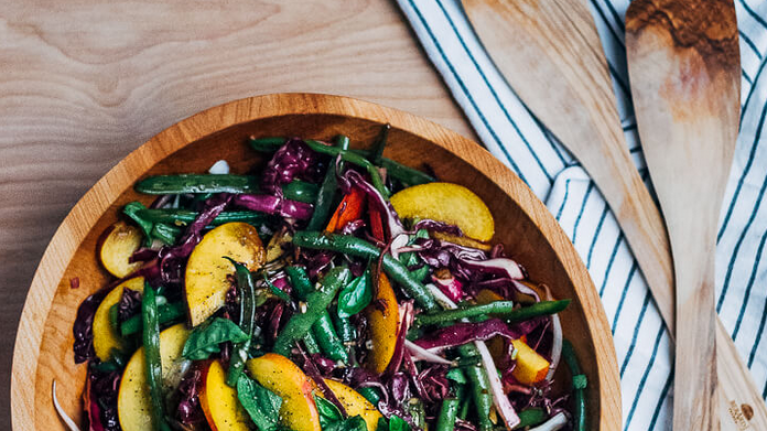 3 delicious salad recipes for people that aren't that into salads
