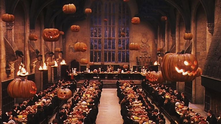 Halloween Londra.Harry Potter Fans Can Now Spend Halloween At Hogwarts And It Sounds