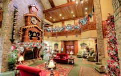 Meet the Tennessee hotel where it's Christmas Day 365 days a year (WOW)