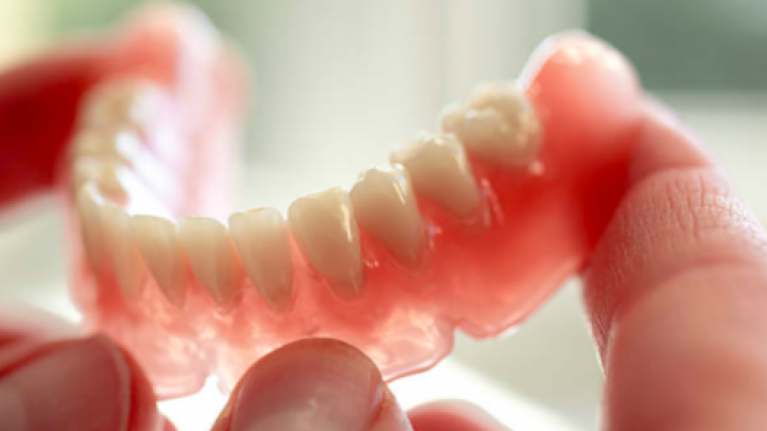 Man inhales false teeth during surgery, has them stuck in throat for eight days