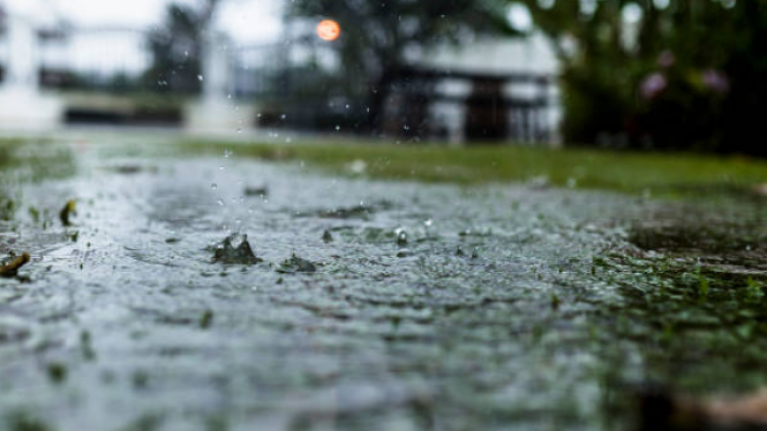 Met Éireann say we're going to be hit by rain before we see another heatwave