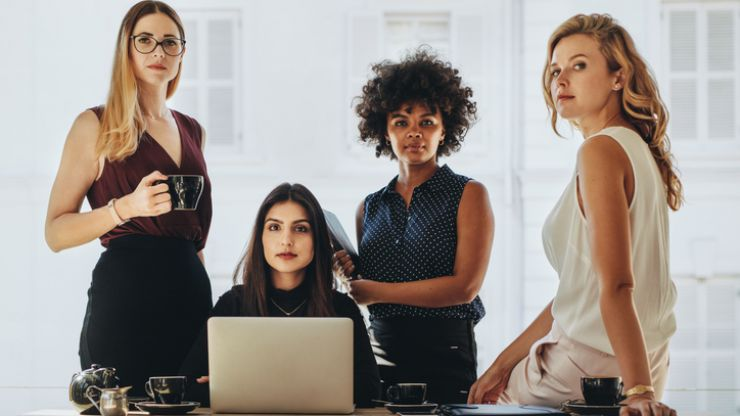 Want a job in tech? I-FIT is looking for tech-loving ladies for their paid apprenticeship