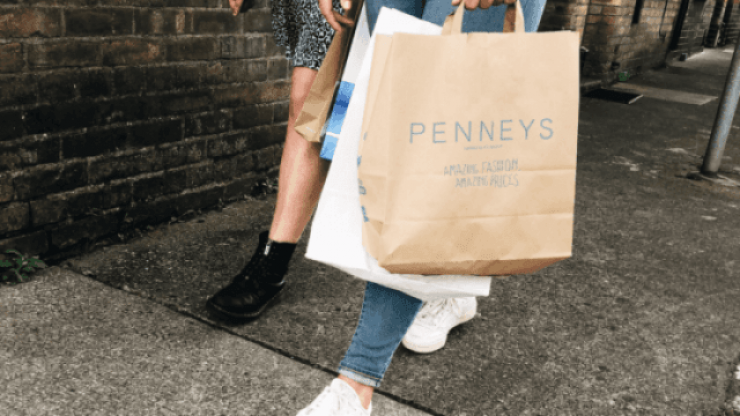 This stunning €17 maxi dress from Penneys is just perfect for autumn