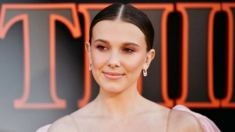 Millie Bobby Brown just debuted a brand new hairstyle, and she's SUPER blonde