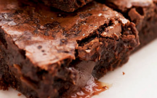 These gooey and fudgy almond flour brownies will get you through January