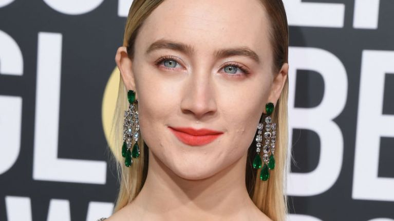 Saoirse Ronan wore Gucci to the Golden Globes and sorry but she's a genuine goddess