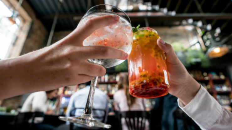 Glass of pinot or G&T? This is the amount of calories that are in each drink