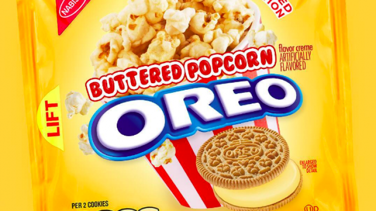 Buttered popcorn flavoured OREOS exist, and we honestly can't breathe