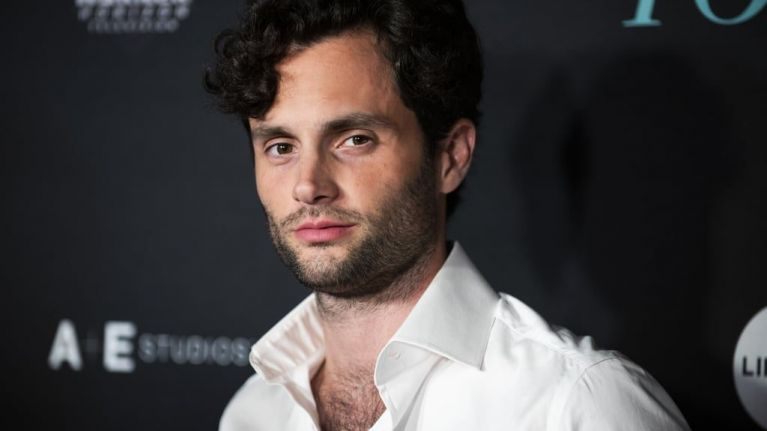 YOU's Penn Badgley is tweeting people who think his character Joe is hot