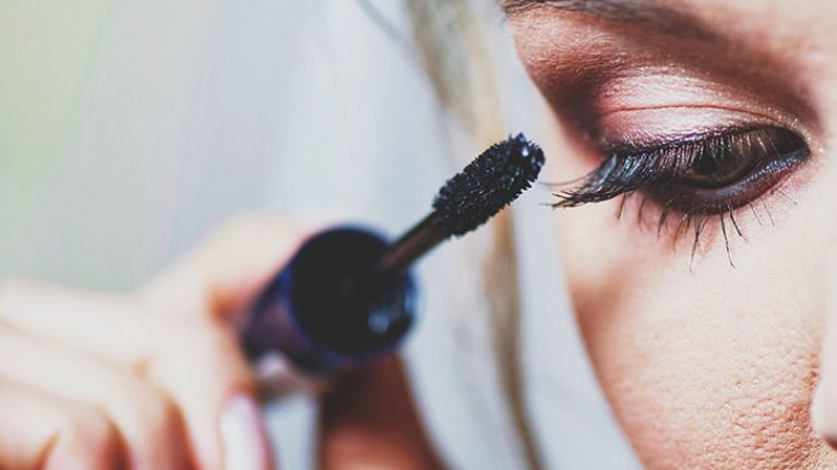 3 simple but GENIUS hacks that will transform your mascara game forever
