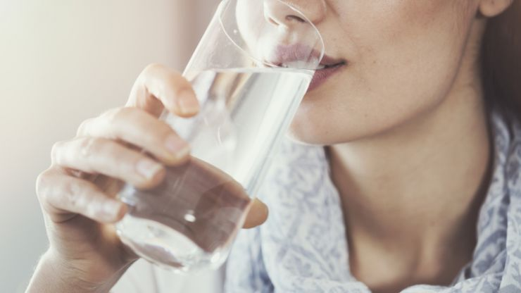 Skincare expert says that water does NOT benefit your skin, and we're BAFFLED