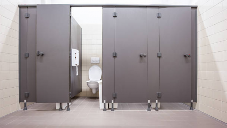 What NOT to do anytime you're on a public toilet seat