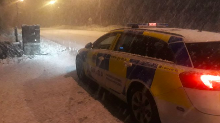 Gardaí share photo of snow storm near Cork urging people to drive safely