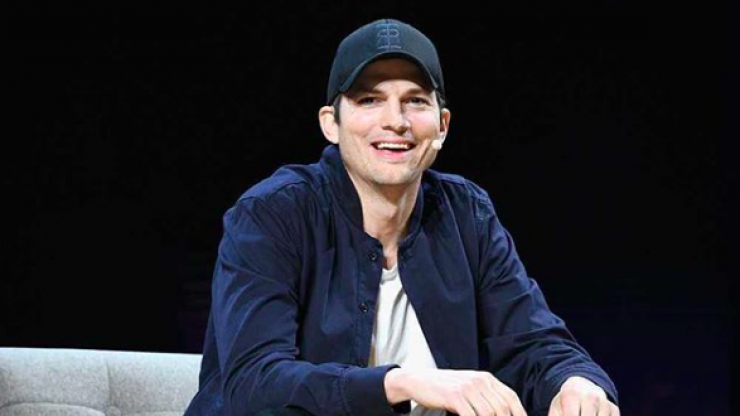 Ashton Kutcher shared his phone number online last night and it caused absolute pandemonium
