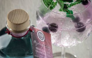 Hint, hint! Aldi's €25 colour changing gin is the perfect Valentne's Day pressie